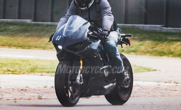 ★Ducatiの新型V4スーパーバイク、今年秋ごろには登場か?