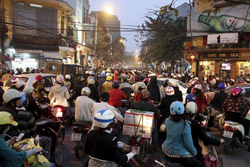 ★ベトナムの首都ハノイで、2030年までにバイク、スクーターの乗車が禁止