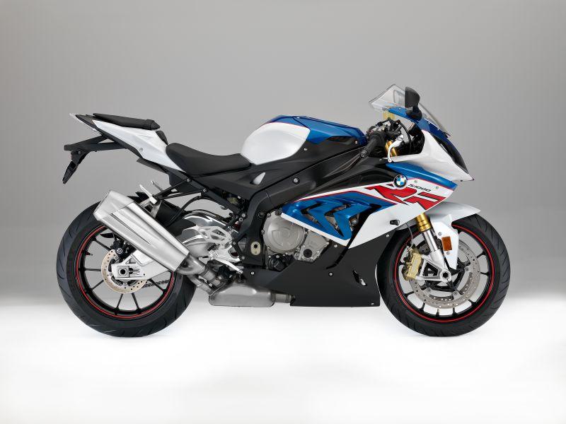 ★BMWが昨年に引き続き、鈴鹿8時間耐久レースに参戦するBMW Motorrad 39チームのオフィシャル・スポンサーに