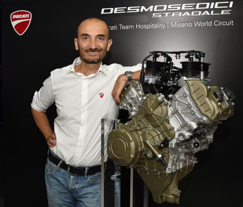 ★Ducati デスモセディチSTRADALEエンジン ギャラリー