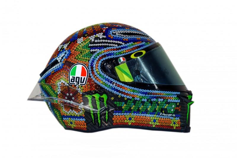 ★MotoGP2018 ロッシの冬季テストのヘルメット モチーフはメキシコのビーズアート