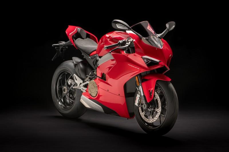 ★Ducati Ducatiワールド・プレミアにおいてPanigale V4(パニガーレV4)を発表