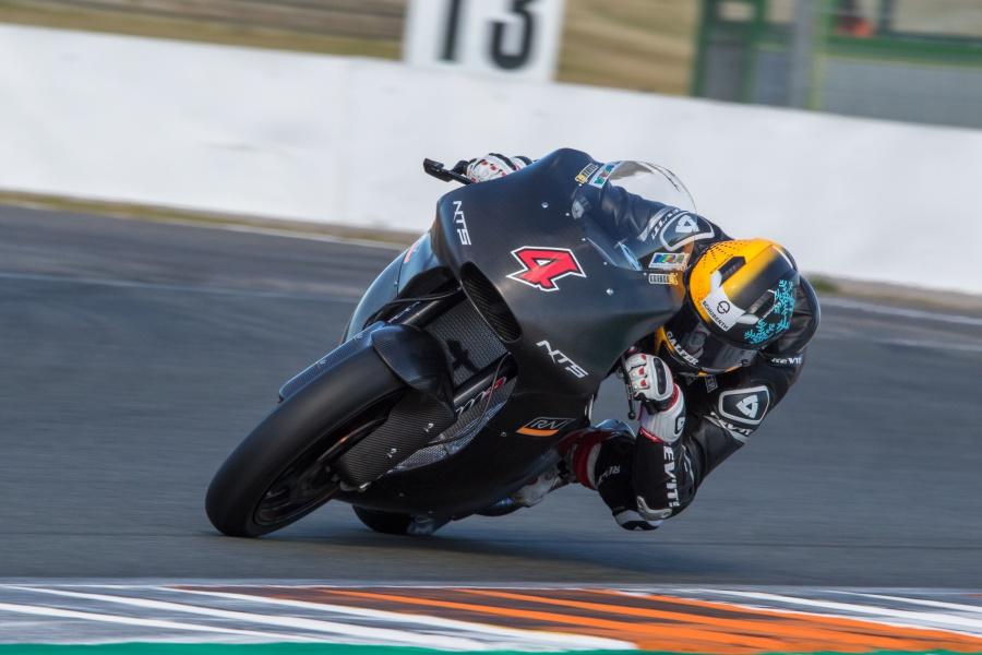★NTS RW Racing GP 2018 年シーズンに向けて好感触でスタート。