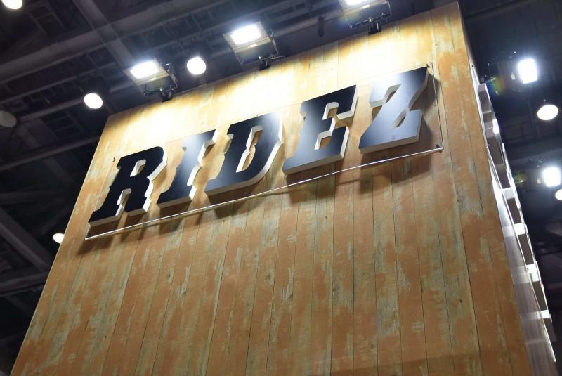 ★第45回東京モーターサイクルショー RIDEZ、KOMINE、仮面ライダーブース