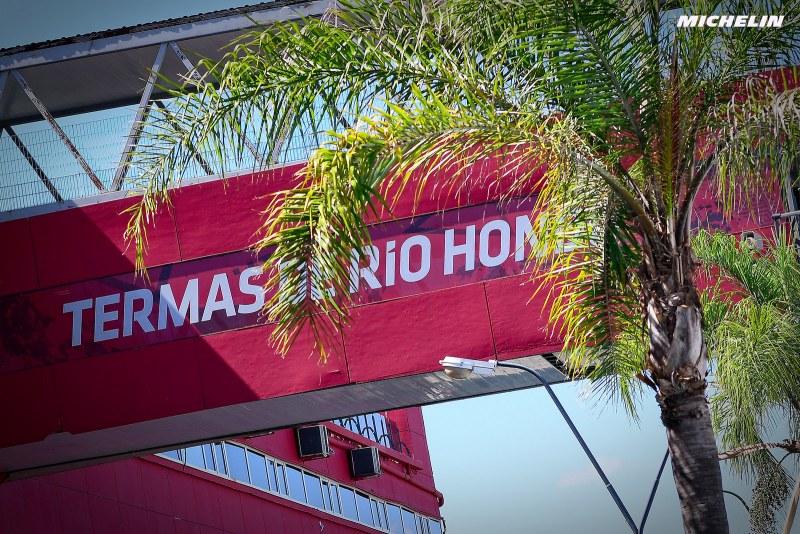 テルマス・デ・リオ・オンドで大規模な火災が発生 年内のレース開催は絶望的か
