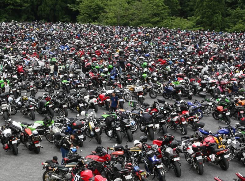 ★【過去最多】全国からバイク「4000台」!!入場者「7000人」の衝撃!!「日本最大級」のバイクイベント「2りんかん祭り」大盛況!!