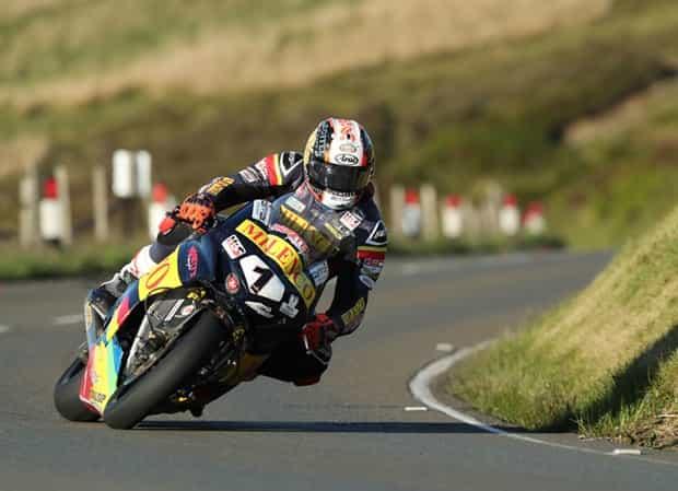 マン島TT2019 スーパーバイクとスーパーストックの予選が行われる