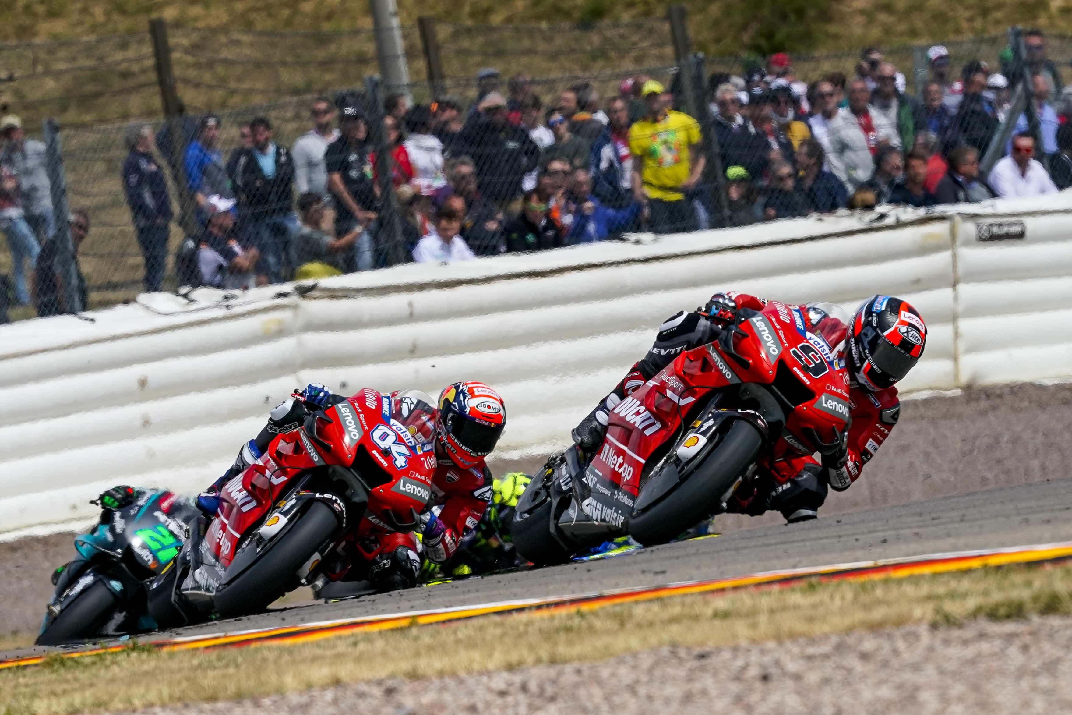 MotoGP第9戦のドイツGPで、ペトルッチとドヴィツィオーゾがポジションを大きく挽回して4位と5位でフィニッシュ