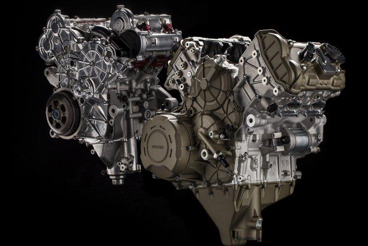 Ducati ムルティストラーダV4のテスト車両が目撃される