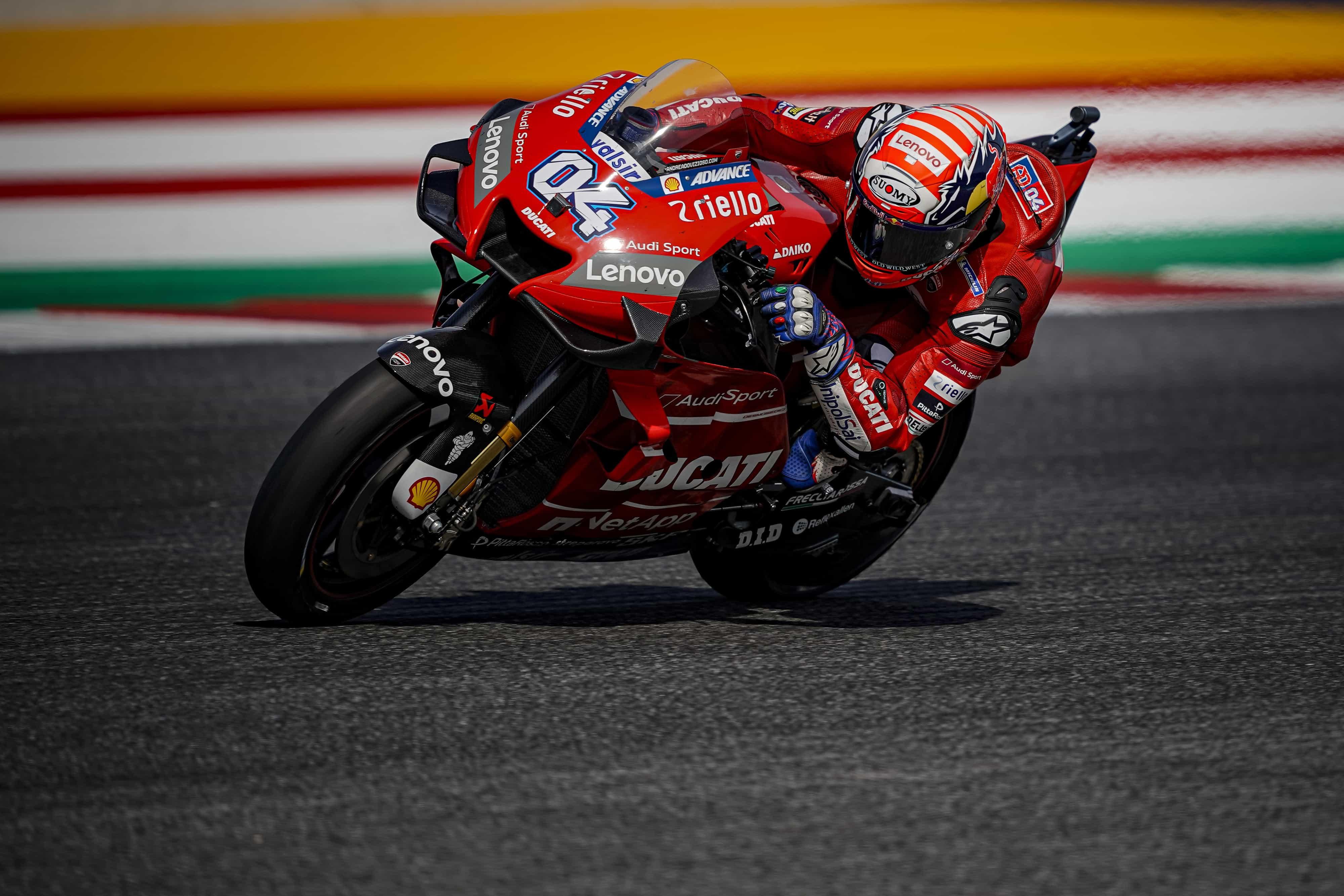 MotoGP第13戦のサンマリノGPで、ドヴィツィオーゾが6位、ペトルッチは10位でフィニッシュしてランキング3位に復帰、ピッロはクラッシュしてリタイア