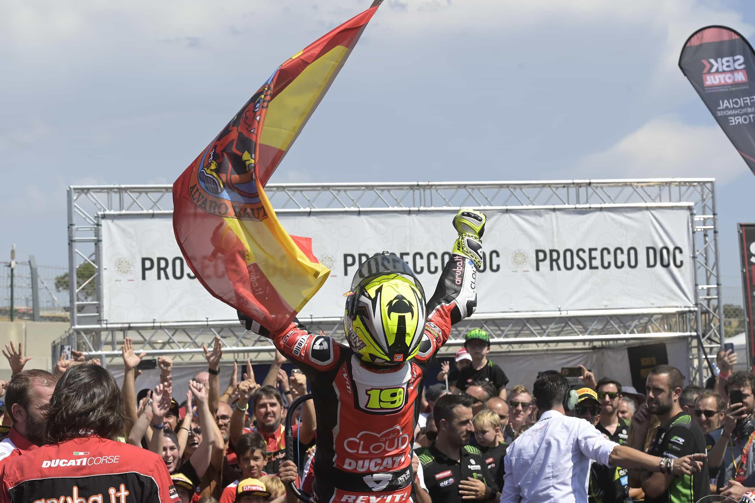 ピレリ(Pirelli)ポルティマオにおけるスーパーポールレースでレイ、レース2でアルヴァロ・バウティスタが優勝