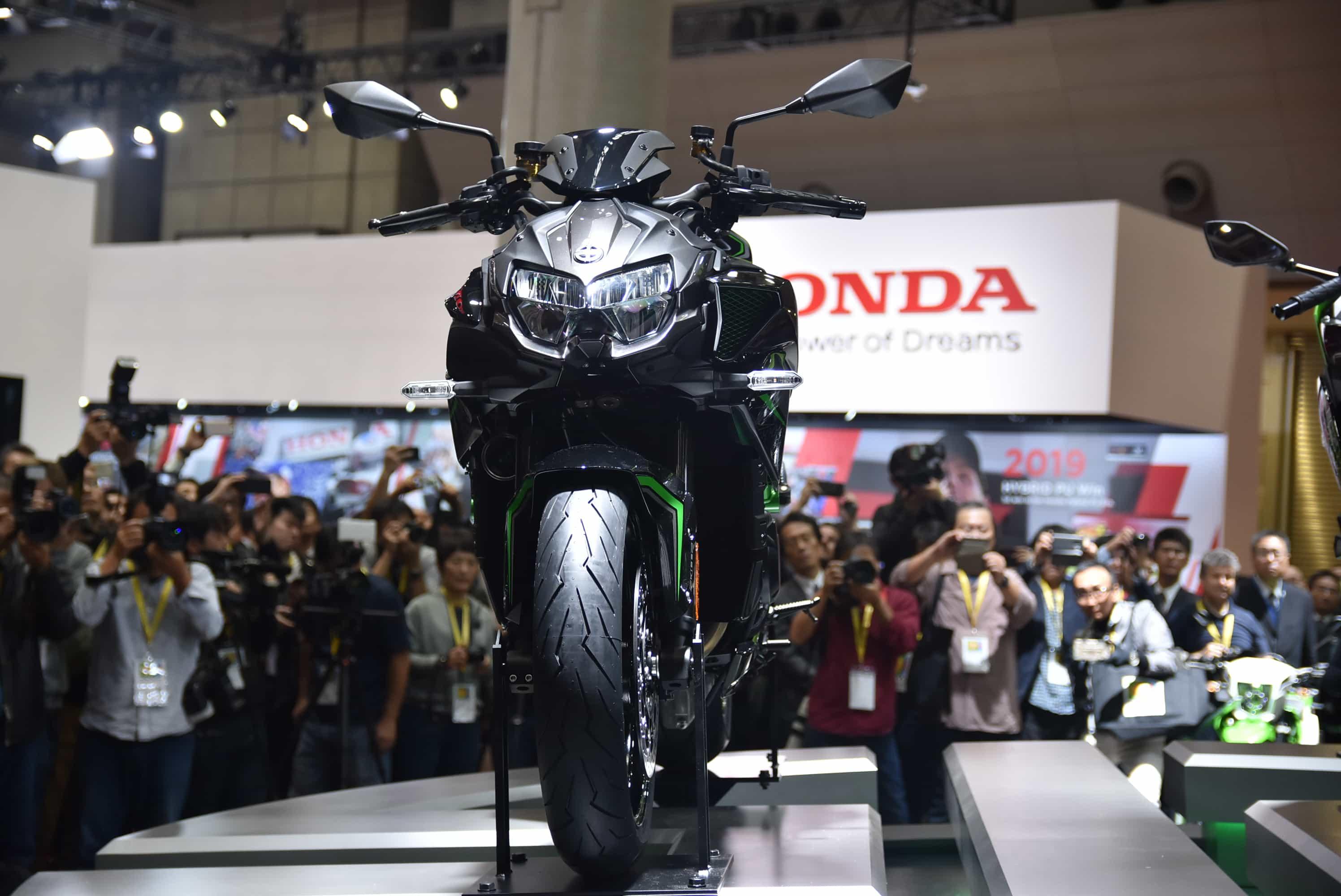カワサキ 東京モーターショーでスーパーチャージャー搭載のZ H2を発表