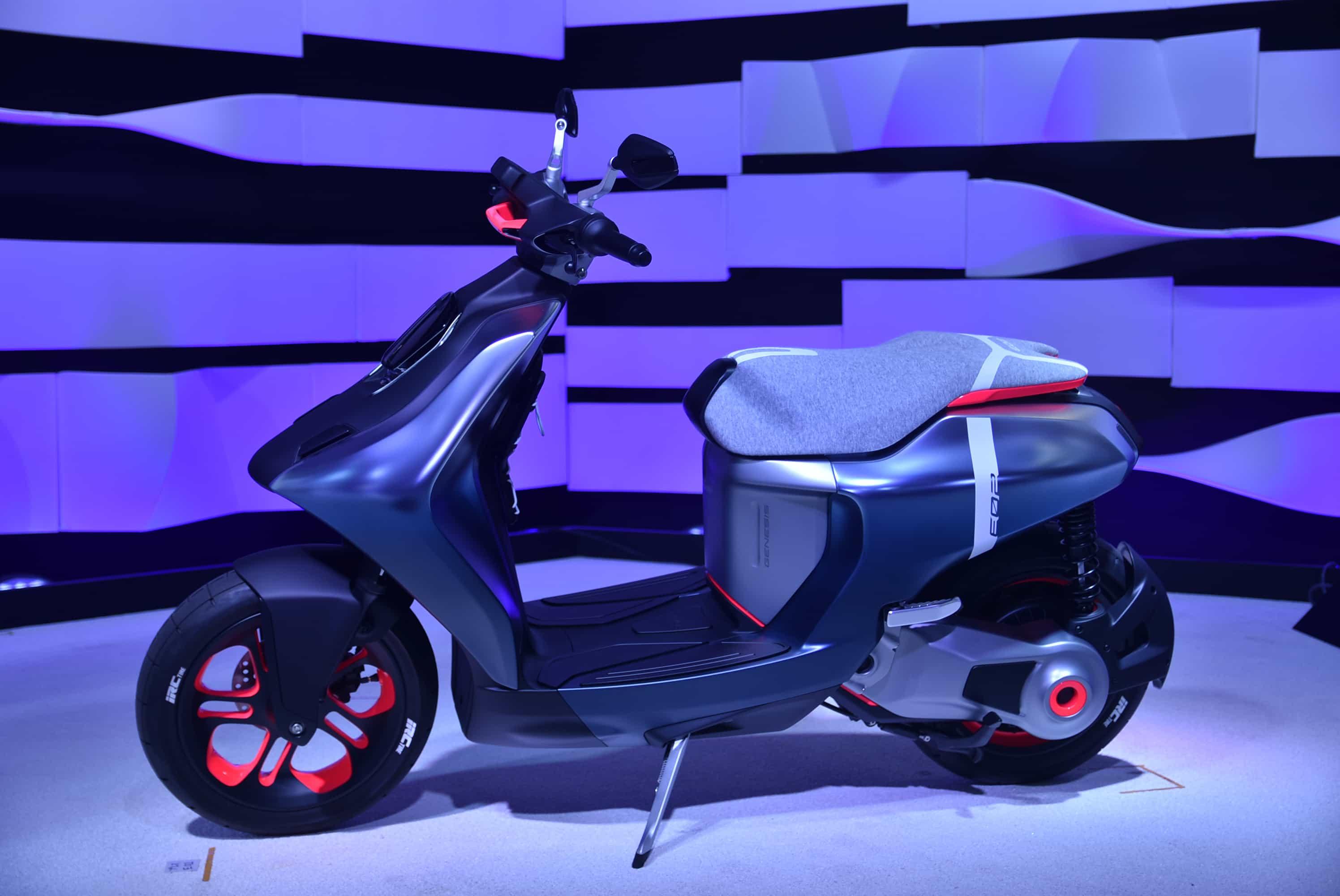 ヤマハ 東京モーターショーで都市型コミューターE01、次世代電動コミューターE02を発表