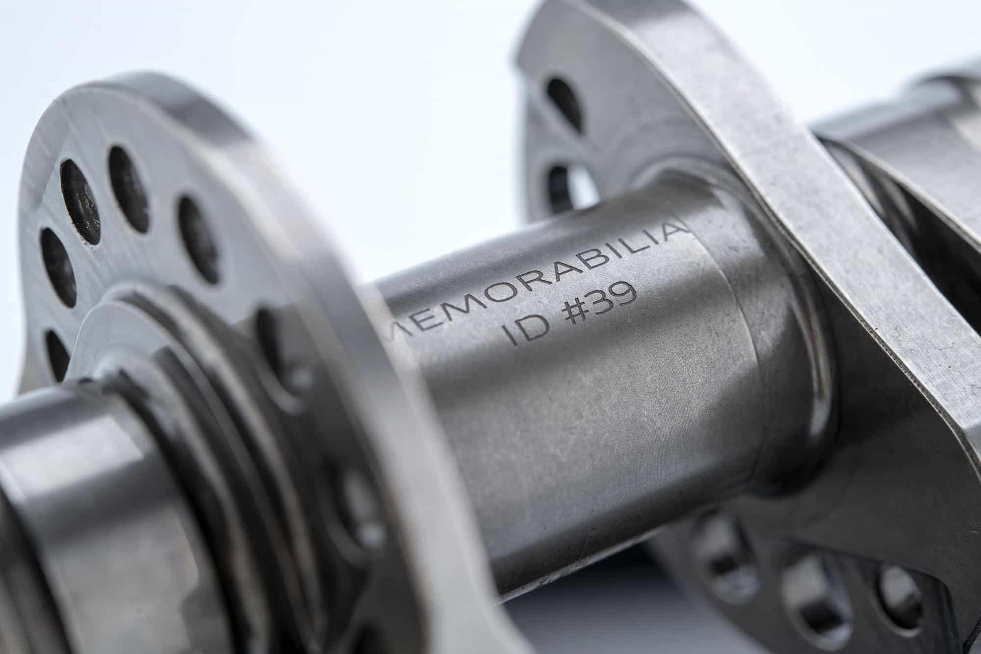 Ducati MotoGP/WSBK車両のエンジンパーツをコレクターズアイテムとしてDucati Memorabiliaの名前で販売