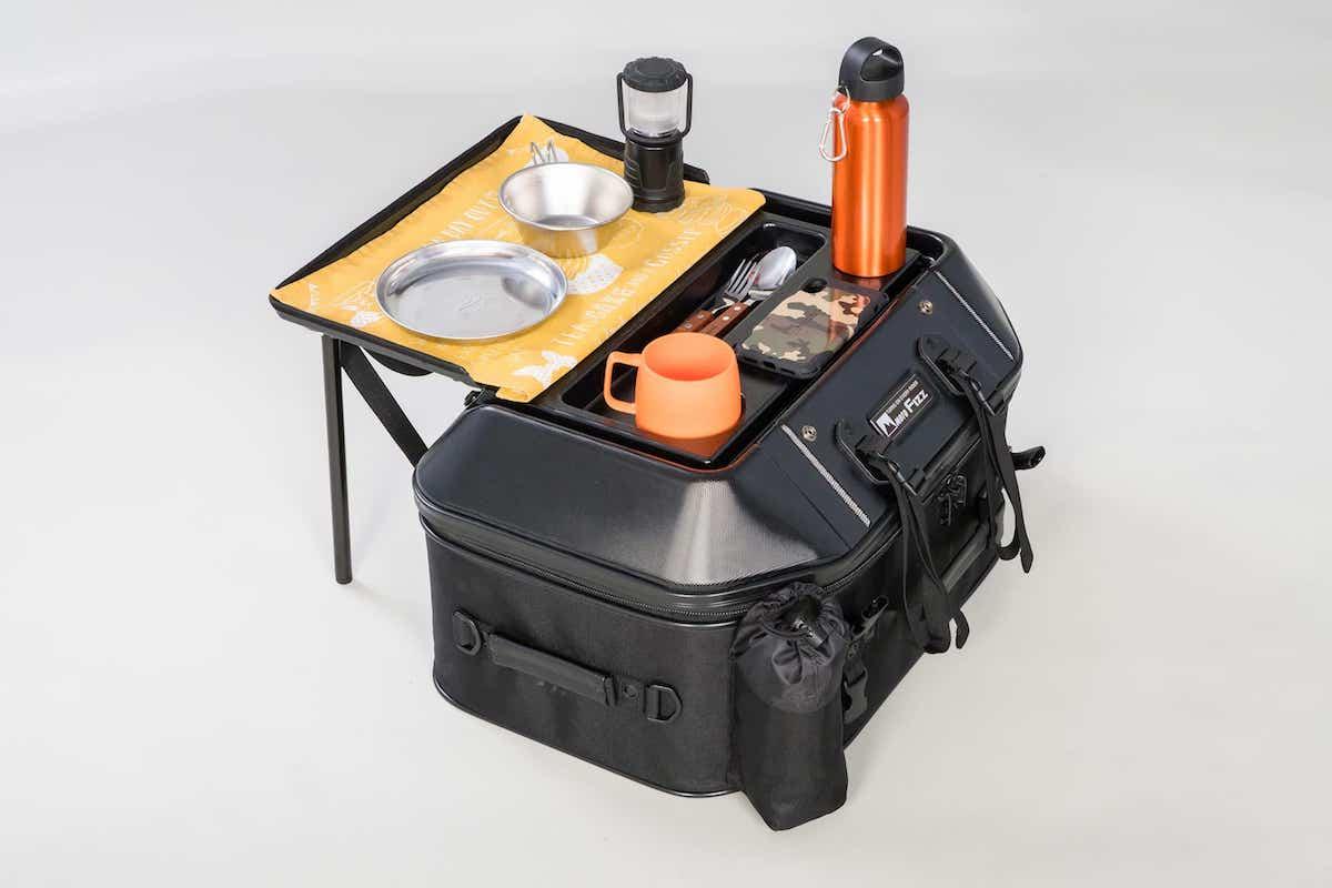 シートバッグがキャンプテーブルに変化する「TANAX」キャンプテーブルシートバッグ発売