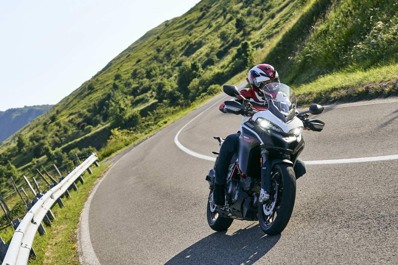 Ducati ムルティストラーダ950 Sに新色となるGPホワイトを追加