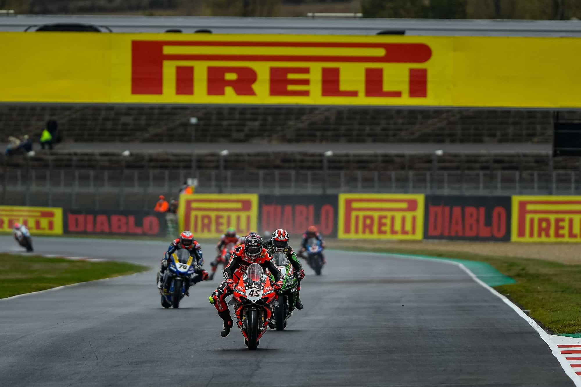 ピレリ(Pirelli)レースレビュー マニクール戦スーパーポールレースでレイ、レース2でレディングが優勝