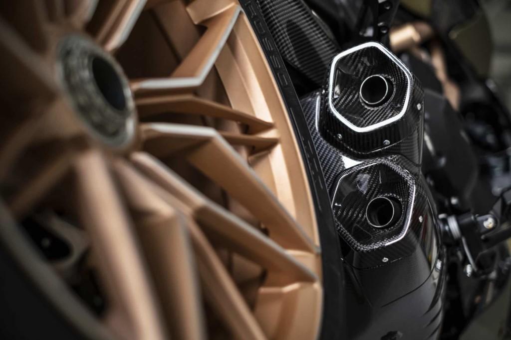 Ducati 新型ディアベル1260ランボルギーニを発表