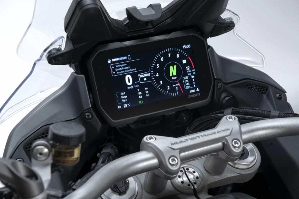 Ducati V4エンジンを搭載した新型ムルティストラーダV4を発表