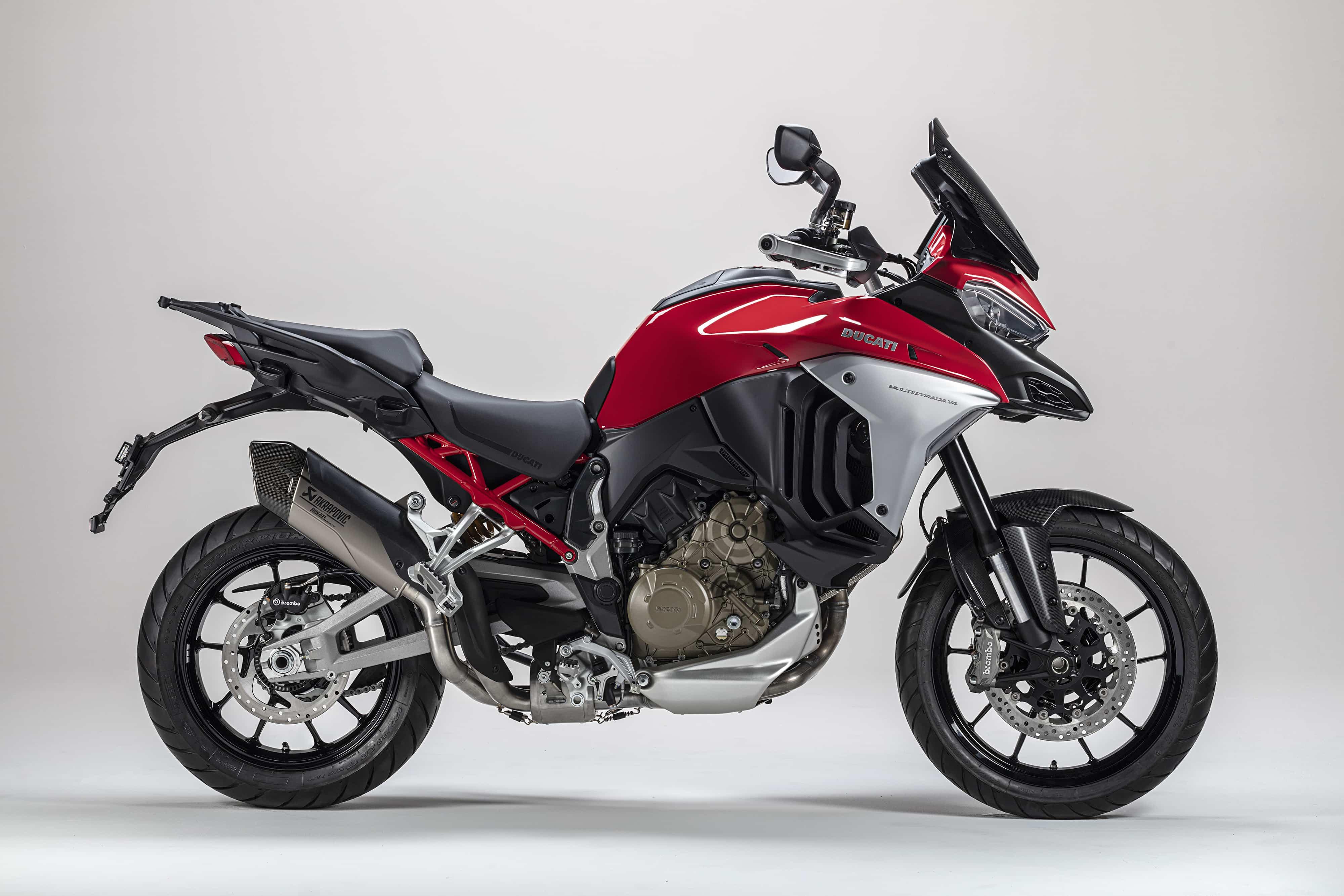 Ducati ムルティストラーダV4用のサーキット走行用エグゾースト・ユニット、型式認証済みサイレンサーを発表