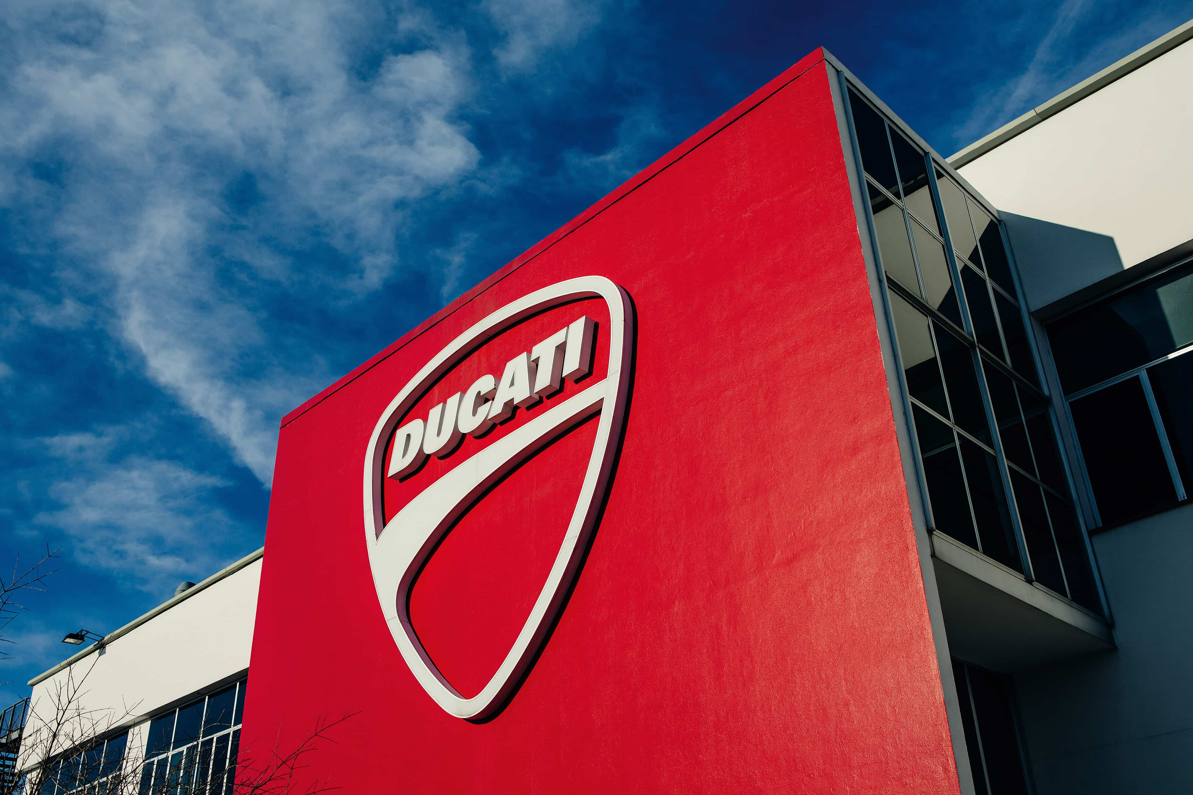 Ducati 2020年セールスは7週間の生産停止の影響を受けて、2019年比で9.7%減