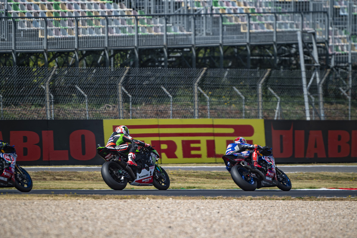 ピレリ(Pirelli)レースレビュー FIM スーパーバイク世界選手権(SBK)フランス戦レース1